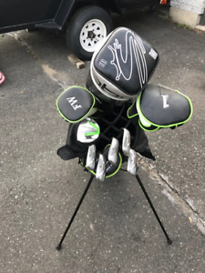 ensemble (baton) de golf droitier femme / junior avec sac