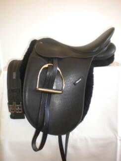 Wintec Synthetic 16 inch Dressage Saddle FOR SALE Goulburn 2580 Goulburn City Preview