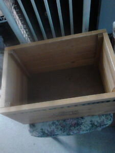 VERY SOLID WOODEN TOY BOX London Ontario image 2