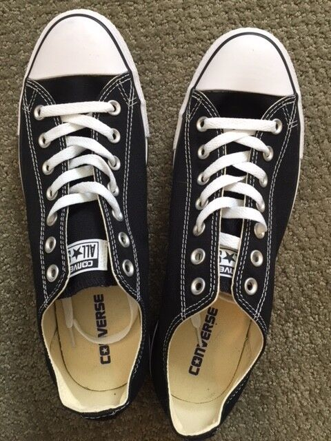 Converse All Star Chuck Taylor Canvas Shoes Low Top Brand New Size 10 M 12 Wo's