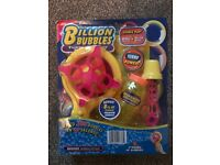 Billion Bubble maker BRAND NEW (worth £8) great for birthday party - 4 streams of continuous bubbles