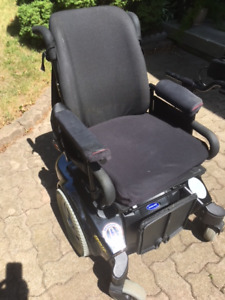 POWER WHEELCHAIR --  PRONTO M9I  by Invacare