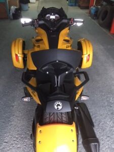 Can_Am Spyder STS