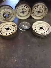 5 Wheel Rims with  Hum Caps  for Triumph TR4 A  IRS Mont Albert North Whitehorse Area Preview