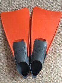 Kiefer Short Fins - size 2-3UK
