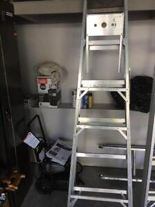 Aluminum Step Ladder - 6'