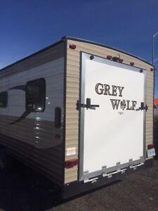 2015TOY HAULER 26RR GREY WOLF