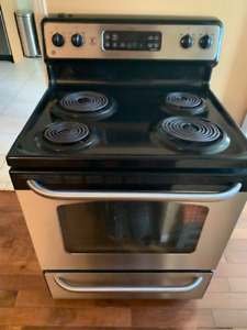 """Stove """"General-Electric"""" for Sale!! everything is working"""