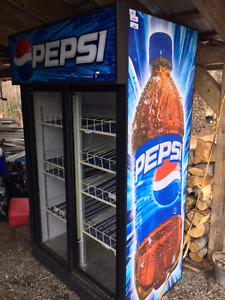 LIKE NEW...   PEPSI COOLER    $600.00 FIRM
