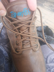 Womens boots worn once