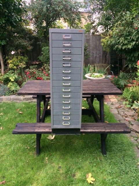 15 drawers storage filing cabinet in good condition