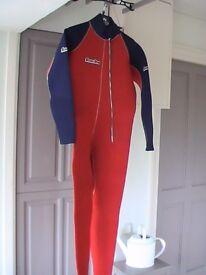 LADIES WETSUIT SECONDSKIN 5mm / Wetsuit size S / Front Entry Zip.