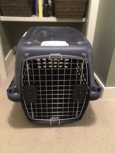 Dog crate / kennel