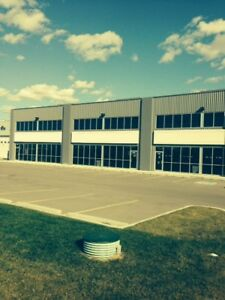 For Sale/Lease 5,232 SF with 7,500 SF Fenced Yard