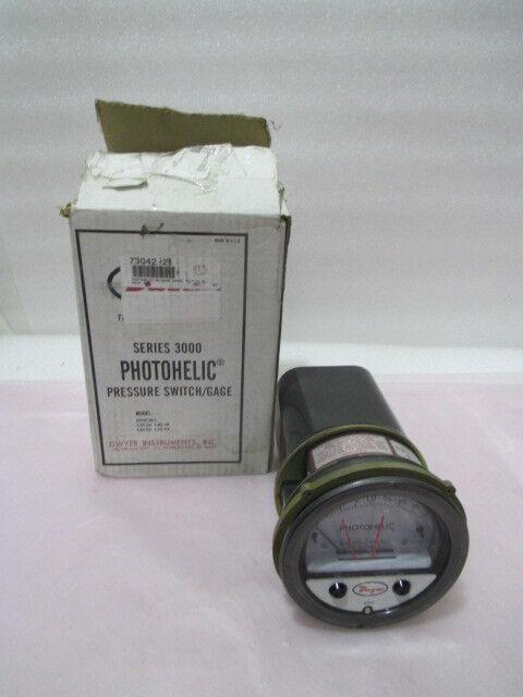 Dwyer Series 3000 Photohelic Pressure Switch/Gauge. 0-2 Inch Range, 419899