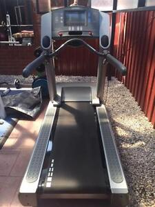 Heavy / Commercial Life Fitness 95Te Treadmill Roxburgh Park Hume Area Preview