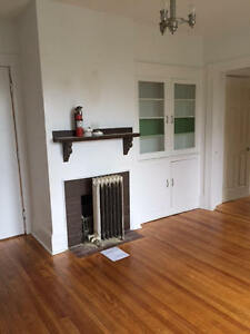 RENOVATED SOUTH END 2 BEDROOM CLOSE TO DAL & KINGS