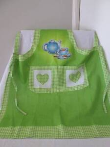 Pretty Full Length Apron With A Bib Front. Morayfield Caboolture Area Preview