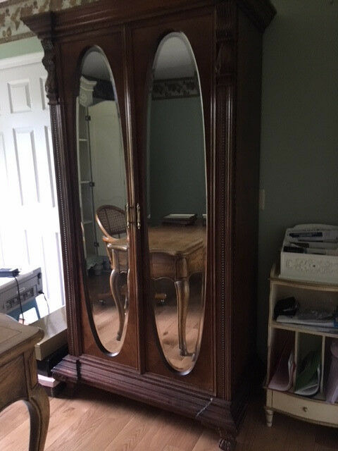 Pulaski Armoire - Mahogany Wood with Oval Mirrors and Many Carvings Ornate