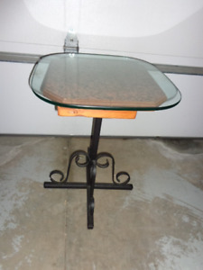 Pedastal Table with Glass Top