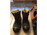 Snow Boots unused good quality size 12.5 (UK) 48 (European)