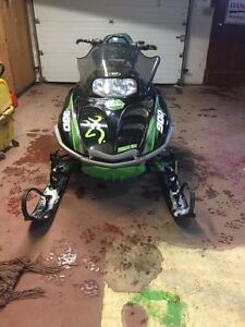 2005 Arctic Cat Mountain Cat 1M 900 Sled For Sale