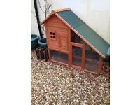 **GORGEOUS LARGE RABBIT & GUINEA PIG HUTCH AND RUN🐰 CHALET- grab it for Spring bunnies or furries**
