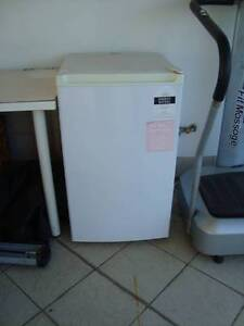 Small fridge only 2yrs old St Leonards Willoughby Area Preview