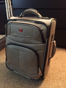 Carry-On Swiss Gear Luggage