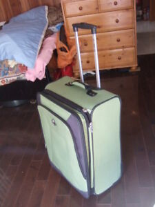 "25"" Green Atlantic rolling luggage,6472"