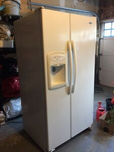 Side by side fridge with Water/Ice Dispenser 26 Ct.