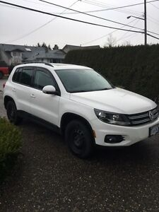 2012 Volkswagen Tiguan w/ 2 Yrs Factory Warranty