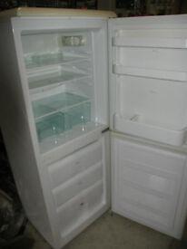 fridge freezer-Fridgemaster MTRF290 -good working order- very clean