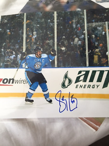 Autographed Crosby Winter Classic 8x10 photo