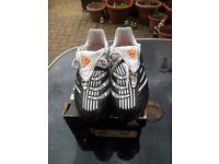 unisex Adidas football boots size 4