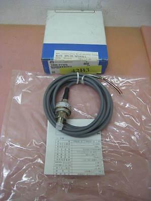 NEW AMAT 1400-01325 pressure sensor 0-1MPA 1/8PT 3wire 3m LG, SMC PSE520-T01