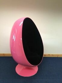BRAND NEW EGG CHAIRS & BALL CHAIRS. LUXURY INTERIOR. FULL SWIVEL FEATURE £395. DELIVERY POSSIBLE