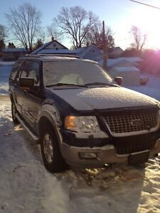 2004 Ford Expedition SUV, Crossover