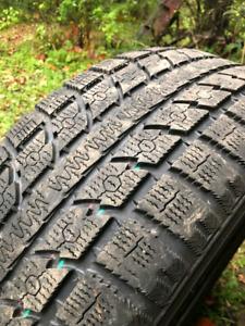 4 pneus hiver Toyo Observe 255-55-20