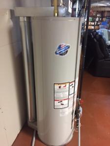 Chauffe eau au gaz naturel ''Defender de Bradford White'' 50 gal