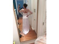 Beautiful wedding dress. never worn