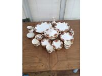 Royal Albert Dinner set (old country roses, bone china)