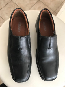 Boy black dress shoes Size 34 ( 2.5)