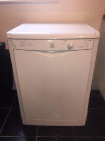 Indesit IDF125 Full Size Dishwasher