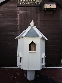 LOVELY DOVECOTE QUALITY TIME SERVED 30YRS JOINER BUILT DOVECOTE IS IN PERTH......