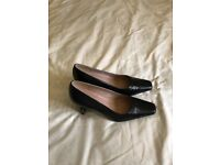 Marks and Spencer black court shoe (size 4)