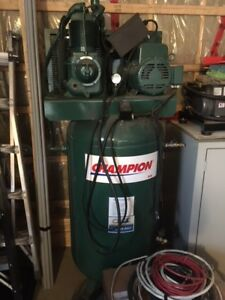 Compresseur Champion 5HP 80 gallons 240 V