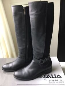 Womens Aquatalia Black Leather Boots Size 9 - Italy
