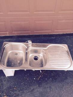 KITCHEN SINK AND INSINKERATOR. Sans Souci Rockdale Area Preview