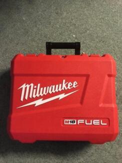 Milwaukee M18 Drill Kit
